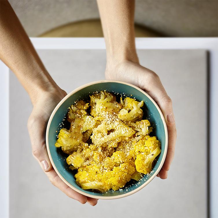 Cavolfiore , aglio rosso, mandorla tostata, peperoncino